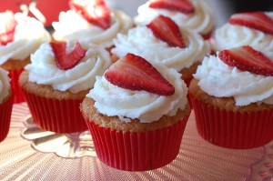 Strawberry Macaroon cupcakes. Photo by Aaorn Landry via Flickr